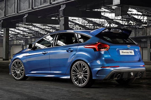 Ford Focus RS 320 cv 4x4 posteriore